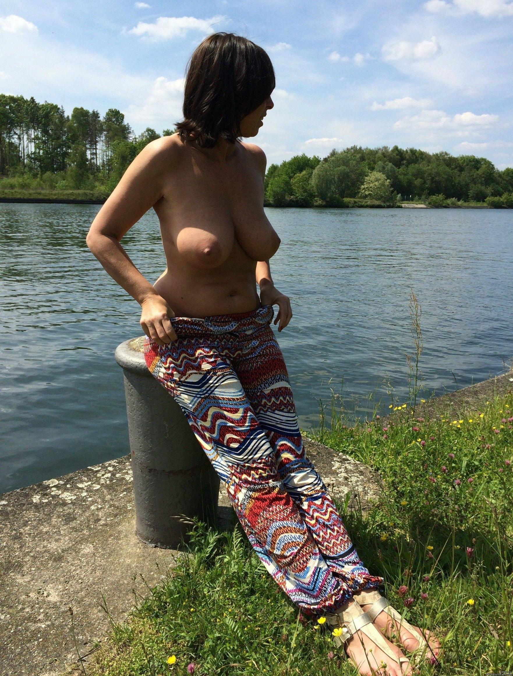 Грудастые мамки и женщины за 40 секс фото и порно фото