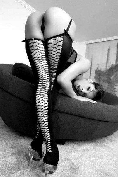 Женские попки и сиськи с набухшими сосками крупным планом секс фото и порно фото