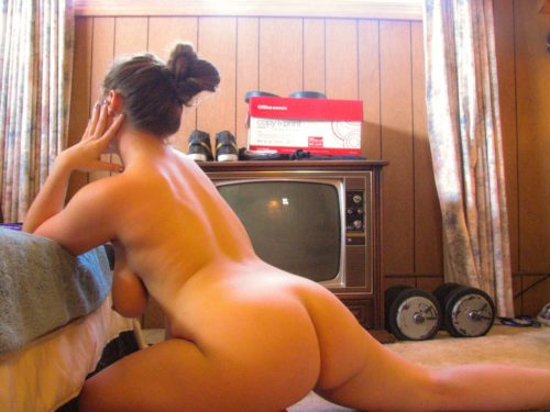 Домашка от извращенок с самыми сочными попками секс фото и порно фото