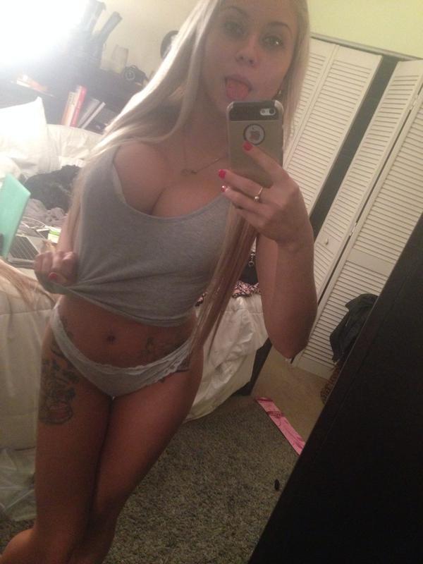 Голые селфи красивых порно актрис из США секс фото и порно фото