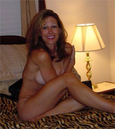 Голые мамы с большими сиськами во время летнего отдыха секс фото и порно фото