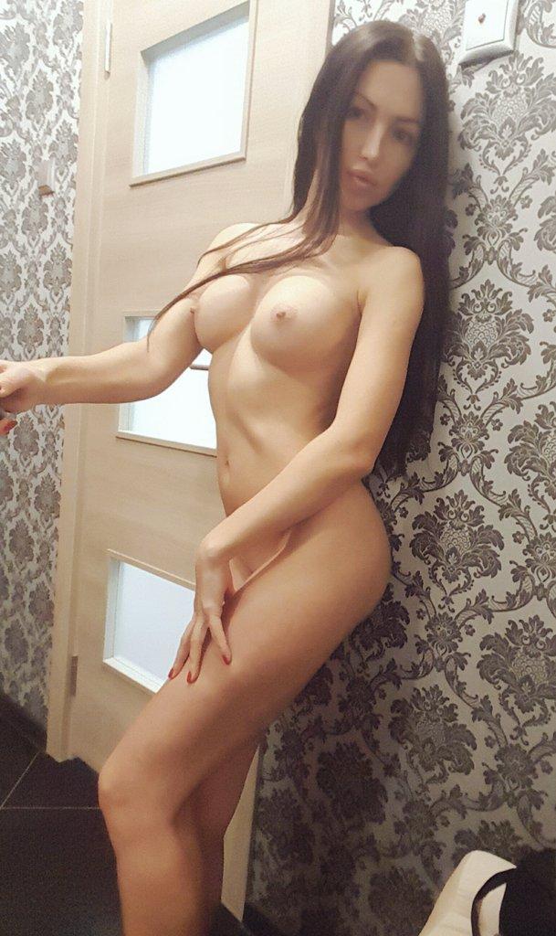 Частная жизнь питерской порно актрисы Саши Роуз секс фото и порно фото