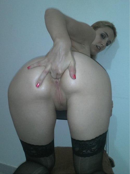 Подборка мастурбирующих анал и пилотку девушек секс фото и порно фото