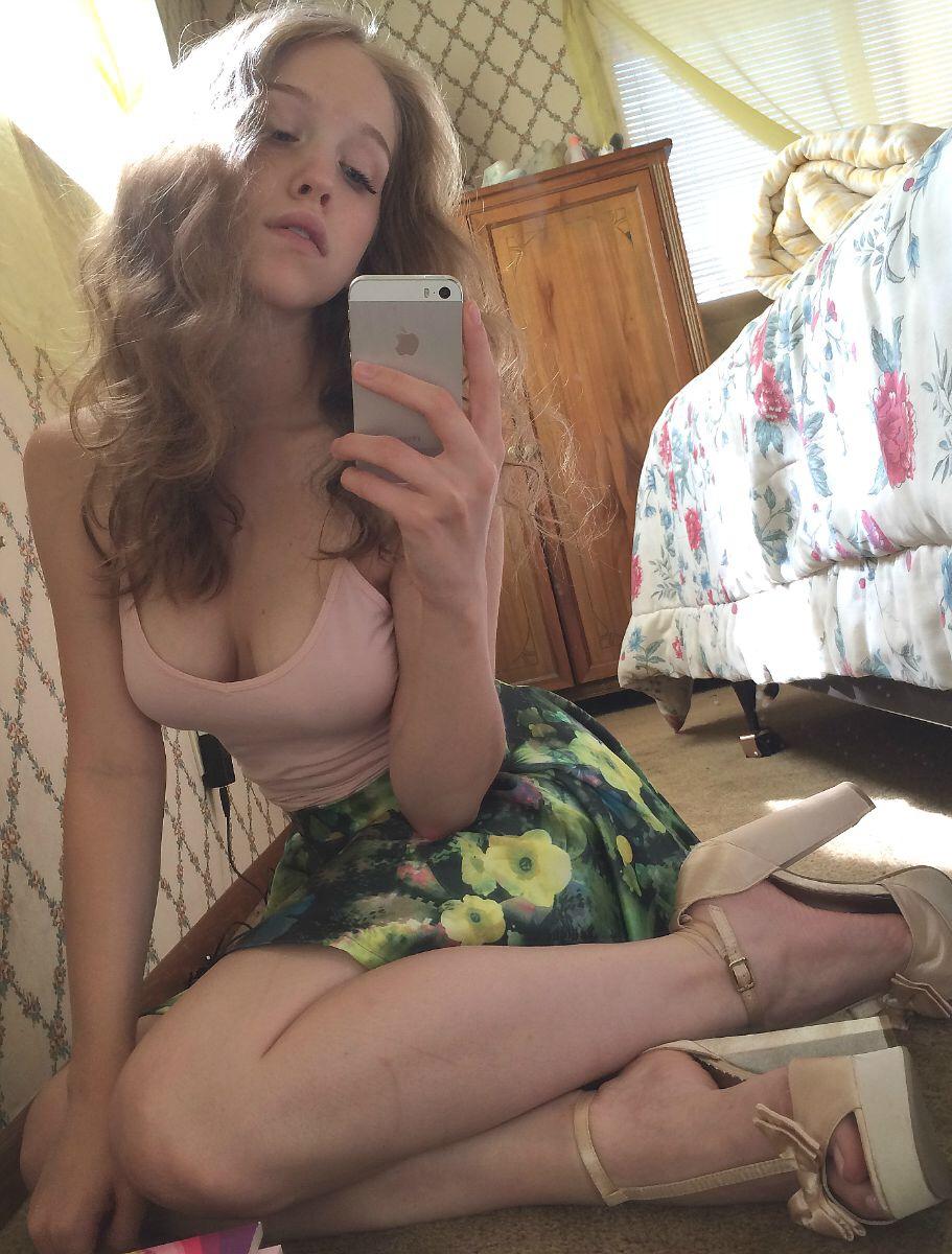 Эротические снимки сисястых блондинок из их личных коллекций секс фото и порно фото