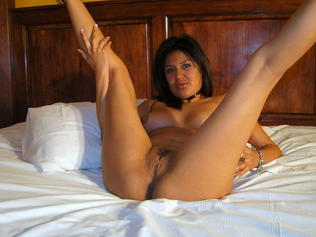 Сисястые мамки раздвигают ноги и трясут дойками секс фото и порно фото