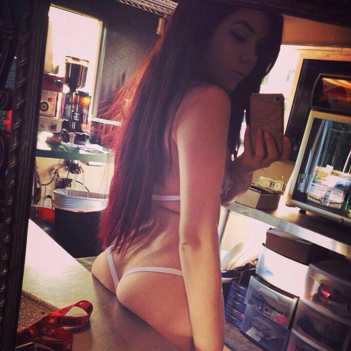 Зеркальные селфи грудастых девок топлес секс фото и порно фото