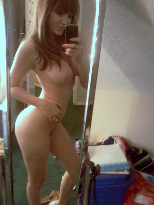 Подборка голых селфи молодых девах в домашних условиях секс фото и порно фото